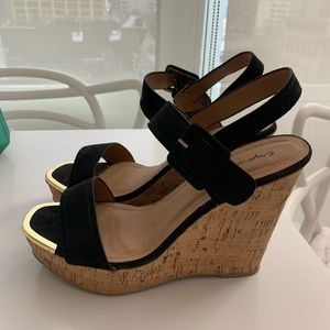 8.5 wedges - never worn